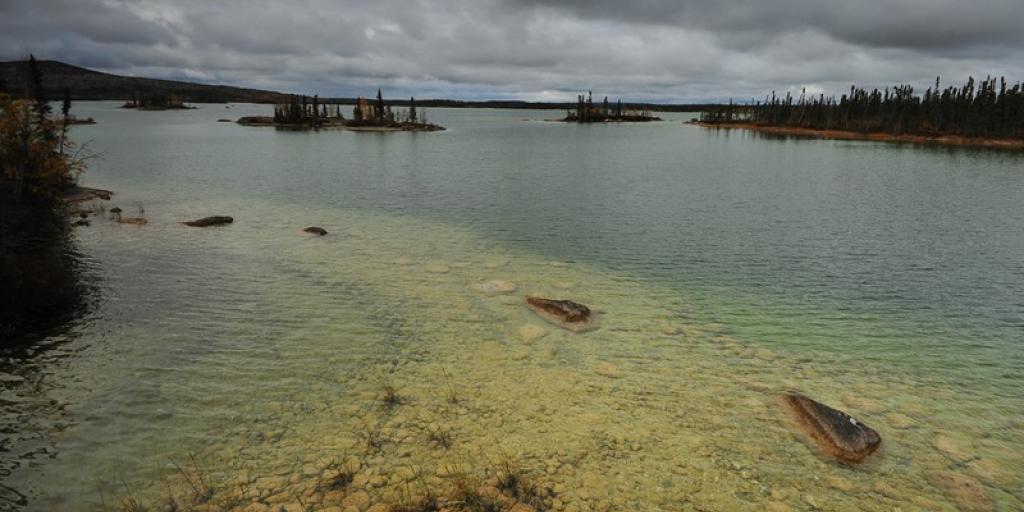 Rae Lakes Waterscape near Gamètì  (Photo:  Paul Vecsei, Golder Associates)