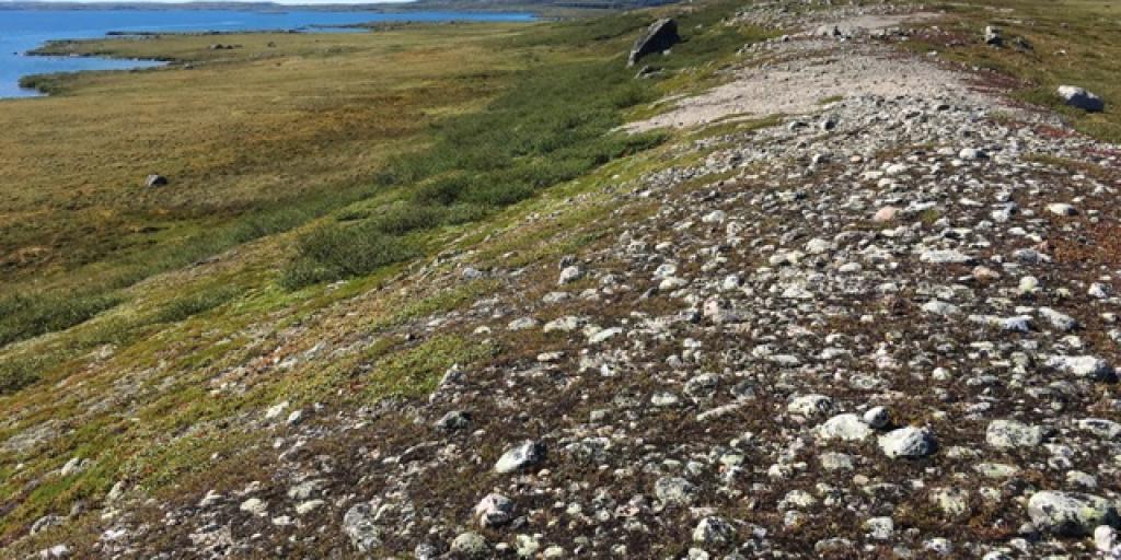 Esker on the Barrenlands (Photo: GNWT / T. Stephenson)